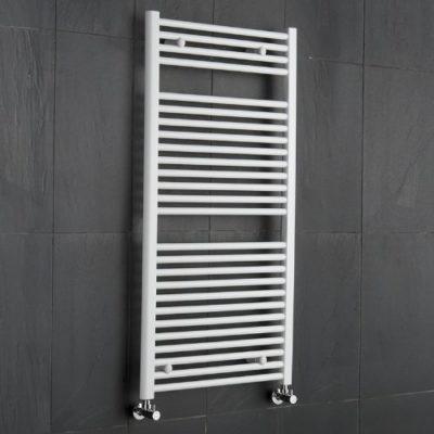 Hudson Reed - Radiador Toallero Plano en Acero Blanco Para Baño / Cocina - 1200 x 600 mm - 648 Vatios - Calentador Toallas Decorativo - 26 Barras - Calefacción Central Agua - Entradas 550 mm - Modelo Mural